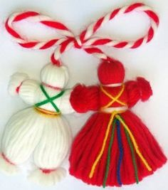 We made these when I was younger. Cute Christmas tree decorations or add to the outside of a package instead of a bow. Cute Christmas Tree, Christmas Tree Decorations, Christmas Ornaments, Holiday Decor, Christmas Crafts, Diy And Crafts, Crafts For Kids, Arts And Crafts, Japanese Ornaments