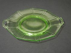 Cambridge Vaseline Glass Two-Handled Serving Tray. Manufactured by Cambridge Glass Co. No chips, cracks or nicks in glass. Dimensions: 10 D Vaseline Glass, Vintage Glassware, Cambridge, 1940s, Depression, Conditioner, Chips, Tray, Handle