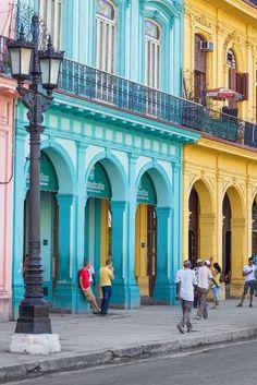 ¿Alguna vez te habías imaginado irte de luna de miel a #Cuba? Cuba tiene sabor, color, cultura y magia gracias a su gente, costumbres, comida e historia.  #lunademiel #honeymoon #novios #boda #trends #wedding #destino