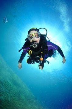Scuba Diver DIY Baby Halloween Printing Ideas Useful Scuba Diving Courses, Scuba Diving Equipment, Best Scuba Diving, Snorkeling, Scuba Diving Magazine, Breathing Underwater, Le Cap, Adventure Activities, Africa Travel
