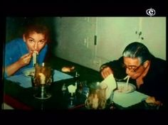 Maria Callas Aristotle Onassis having pasta Lee Radziwill, Maria Callas, Famous Couples, Famous Men, Jackie Kennedy, Rare Photos, Cool Photos, Celebrities Then And Now, Opera Singers