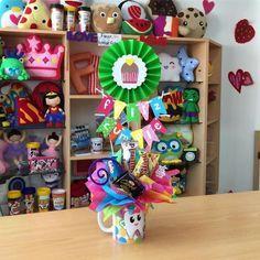 Felt Crafts, Diy And Crafts, Crafts For Kids, Birthday Diy, Birthday Gifts, Craft Gifts, Diy Gifts, Candy Bouquet, Craft Show Ideas