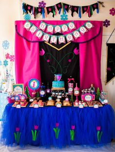 Items similar to FROZEN Party - Centerpiece Holder - Frozen Birthday Party - Elsa Inspired - Girls Birthday Party- Frozen Decorations- Princess Party –Winter on Etsy Disney Frozen Party, Frozen Fever Party, Frozen Themed Birthday Party, Disney Princess Party, Birthday Parties, Princess Anna, Birthday Ideas, Frozen Birthday Banner, Elsa Birthday