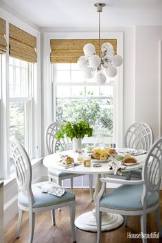 Living room 30 Breakfast Nook Ideas - Kitchen Nook Furniture The allure of historical wall tapestrie Nook Furniture, Dining Room Design, Interior, Coastal Dining Room, Dining Nook, Vintage Dining Chairs, Home Decor, Breakfast Room, Dining
