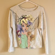 Tink Disney sweatshirt! Super cute tinker bell sweatshirt. Excellent like new, is a slight crop, so cute with dolman sleeve to it. Size small.kind of an oatmeal color to it Sweaters
