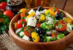 """Salată grecească """"5 minute"""" - Retete culinare - Romanesti si din Bucataria internationala"""