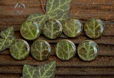 Пуговицы с листом плюща под эпоксидной смолой от NatureInDrop