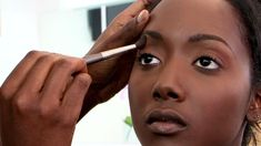 Natural Makeup for Brown Skin Tutorial with Jackie Mgido Part 2 - Eyes, Cheeks, and Lips: The natural look makeup tutorial continues as Jackie works on the eyes, check, and lips. Brown Skin Makeup, Natural Eyes, Natural Makeup Looks, Natural Light, Best Natural Skin Care, Organic Skin Care, Smokey Eye Makeup Tutorial, Makeup Tips, Makeup Tutorials