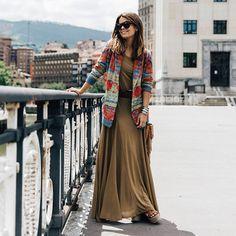street-style-vestido-longo-bege-e-cardiga
