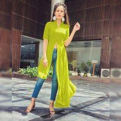 Indian Fashion Dresses, Dress Indian Style, Girls Fashion Clothes, Indian Designer Outfits, Fashion Outfits, Fashionable Outfits, Style Fashion, Simple Kurti Designs, Kurta Designs Women