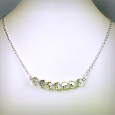 Carrie's loose diamond necklace from the last few episodes of the series