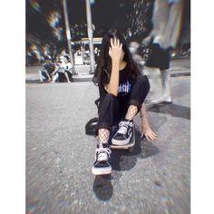 Lấy = Fl me – Girl – Fotografie Cute Girl Photo, Girl Photo Poses, Girl Photography Poses, Ulzzang Korean Girl, Cute Korean Girl, Girl Pictures, Girl Photos, Fake Girls, Skate Girl
