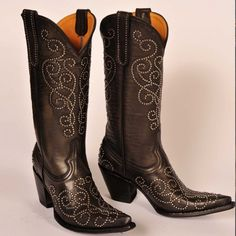 Our Mia Stud boots our a must have! Available on OldGringoDirect.com