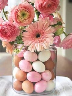 Cute Easter centerpiece idea