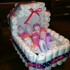 Baby Shower Gift Ideas ~ Diaper Carriage and Diaper Babies! Regalo Baby Shower, Baby Shower Crafts, Baby Shower Diapers, Baby Shower Fun, Baby Crafts, Baby Shower Parties, Baby Shower Themes, Baby Boy Shower, Baby Shower Decorations