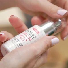 """Przygotowując się na trening nie zapomnijcie zabrać ze sobą odpowiednich kosmetyków. """"Sportoodporny"""" spray utrwalający makijaż to nasze odkrycie. Oparty głównie na wodzie pozostawia niewyczuwalny na skórze film. Przeczytajcie o całej linii pierwszych kosmetyków dla kobiet aktywnych. Link w bio #pupa #PupaSportAddicted #pupamilano @douglas_polska #makeup #kosmetyki #sport  via ELLE POLAND MAGAZINE OFFICIAL INSTAGRAM - Fashion Campaigns  Haute Couture  Advertising  Editorial Photography…"""