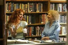 27 januari 2013: Ten derde. Foto: Jenna Mattison als Maggie Malone en Betty White als Lettie  in The Third Wish.
