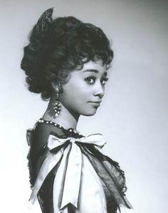 Reri Grist, soprano  (b. 1932)