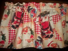 Vintage Look Santa Gifts Christmas Stocking Tree Old Fashion fabric Valance #Handmade #Holiday