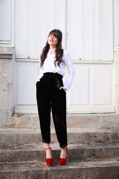 "-  Chemisier / Shirt :Vivetta  Chaussures / Shoes :Charlotte Olympia  Pantalon / Pants: Emma Cook  Rouge à lèvre: Dior""014 Rouge Dolce Vita""  Vernis: Dior ""Diorific 011 Lady""(image:thecherryblossomgirl)"