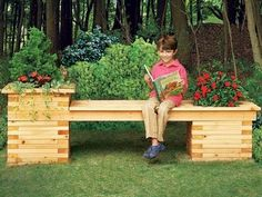Build A Bench / Planter Combo For Your Yard - http://www.gottagodoityourself.com/build-a-bench-planter-combo-for-your-yard/