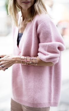 Gorgeous big pink cashmere v-neck.