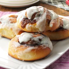Best Cinnamon Rolls ~ Serve them with scrambled eggs, and you have a filling breakfast. As a variation, you can replace the cinnamon filling with a mixture of raisins and pecans. Gooey Cinnamon Rolls Recipe, Best Cinnamon Roll Recipe, Best Cinnamon Rolls, Church Potluck Recipes, Potluck Dishes, Cheesecake, Coffee Cake, Coffee Mugs, Dessert Recipes