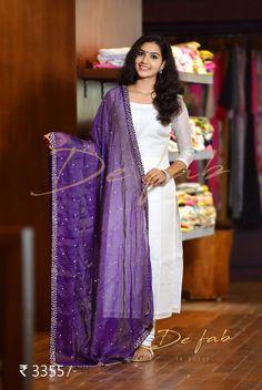 Best 12 I luv this duppata – SkillOfKing. Salwar Designs, Kurta Designs Women, Kurti Designs Party Wear, Blouse Designs, Dress Designs, Dress Indian Style, Indian Outfits, Salwar Dress, Anarkali Suits
