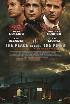 The Place beyond the Pines (2012) Misdaad/Drama, Luke (Gosling) is een professionele motorrijder die erachter komt dat hij een zoon heeft bij zijn ex-vriendin Romina (Mendes), met wie hij al een jaar geen relatie meer heeft. Luke besluit per motor banken te gaan beroven, om zijn zoon financiële ondersteuning te kunnen bieden. Hij raakt echter verzeild in een gewelddadige confrontatie met een jonge politieagent (Cooper). De gevolgen hiervan strekken tot aan de volwassen levens van hun zonen.