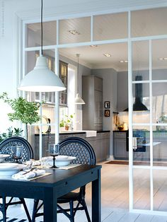 A glass wall between kitchen and living room is a perfect solution if you love open space but you need to divide the two rooms. Home Interior, Kitchen Interior, Kitchen Decor, Kitchen Design, Interior Design, Ikea Kitchen, Interior Windows, Kitchen Cabinets, Sweet Home