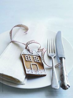 gingerbread house place card