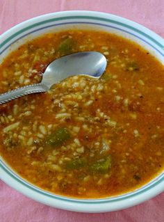 Stuffed pepper soup recipe. All the flavors of stuffed peppers without the work. A budget friendly dinner that feeds a large family. Weeknight dinner.