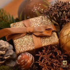 Este Natal ofereça Vouchers Pousadela! Gift Wrapping, Gifts, Happy Holidays, Christmas, Paper Wrapping, Presents, Wrapping Gifts, Favors, Gift Packaging