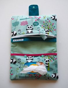 Best 12 Star nappy clutch bags available to order in several colours. Perfect for mums on the go. Baby Couture, Couture Sewing, Baby Sewing Projects, Sewing For Kids, Diaper Bag Patterns, Nappy Wallet, Diy Bebe, Craft Markets, Creation Couture