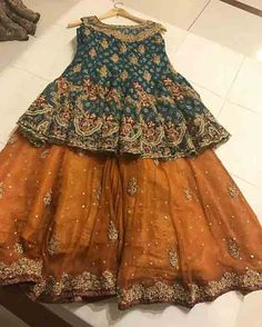 Green and golden mustard baby girls sharara dress designs 2018 for wedding party Are you looking for the best wedding sharara dress for your little girl? Here are the new styles of baby girls sharara dress designs 2019 for wedding. Pakistani Mehndi Dress, Pakistani Wedding Outfits, Pakistani Dress Design, Pakistani Dresses, Indian Dresses, Mehendi, Sharara Designs, Choli Designs, Lehenga Designs