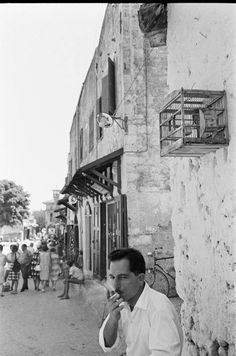 ρόδος 1964 φωτ.Harry Weber Greece Pictures, Old Pictures, Greece Rhodes, Rhode Island, The Past, Greek, Street View, Couple Photos, Portraits