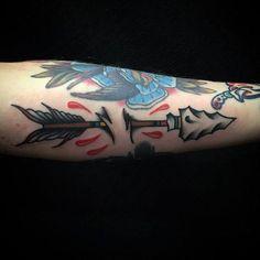 Resultado de imagem para tattoo arrow