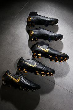 Black Football Boots, Nike Football Boots, Nike Boots, Soccer Boots, Football Girls, Football Gloves, Football Soccer, Best Soccer Shoes, Adidas Soccer Shoes