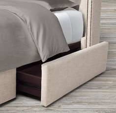 Adler Panel Diamond-tufted Fabric Platform Bed With Nailheads