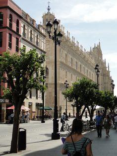 Sevilla. Avenida de la Constitución
