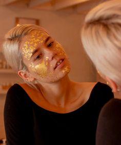 O guia completo dos tipos de máscaras faciais » STEAL THE LOOK Look, Carnival, Skincare, Face, Eye Masks, Soft Lips, Most Beautiful Faces, Sagging Skin, Clay Masks