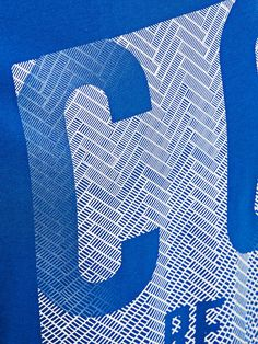 GRÁFICO CAMISETA, Turkish Sea, large Types Of T Shirts, Brand Fonts, Hang Ten, Shirt Print Design, Clothing Tags, Embroidery Fashion, Textures Patterns, Printing On Fabric, Screen Printing
