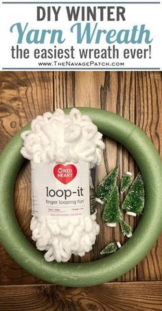 Loop Yarn Wreath - An EASY DIY Winter Wreath! - The Navage Patch Loop Yarn Wreath - Une couronne d'hiver DIY facile! Diy Crafts To Sell, Diy Crafts For Kids, Summer Crafts, Fall Crafts, Toddler Crafts, Easter Crafts, Diy Halloween Decorations, Christmas Decorations, Halloween Yarn Wreath