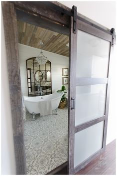 Need to update your bathroom? Check out these twenty one-of-a-kind beautiful farmhouse bathrooms that, we have to admit, we're totally obsessed with.  #ModernFarmhouseInteriors #ModernFarmhouseBathroom #RusticFarmhouse #FarmhouseStairs #ModernFarmhousePlans #FarmhouseIdeas #FarmhouseDesign #BathroomRenos #BathroomInterior Interior Simple, Home Interior, Bathroom Interior, White Bathroom, Simple Bathroom, Interior Design, Diy Bathroom Remodel, Bathroom Renovations, Bathroom Ideas