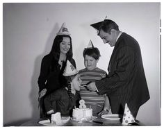 Lisa Loring celebrates her birthday with her Addams Family castmates, Carolyn Jones, Ken Weatherwax, John Astin The Addams Family Cast, Addams Family Tv Show, Family Tv Series, Addams Family Characters, Adams Family, Morticia And Gomez Addams, John Astin, Urban Movies, Charles Addams