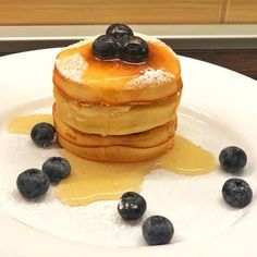 Japán palacsinta Waffles, Pancakes, Favorite Recipes, Japan, Meals, Breakfast, Foods, Stuff Stuff, Morning Coffee