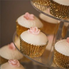 Chelise and Ian chose to have a glamorous pink and gold cupcake tower to fit in with their colour scheme Gold Cupcakes, Sweet 16 Cupcakes, Wedding Cupcakes, Wedding Cake Toppers, Cupcake Tower Wedding, Cupcake Rosa, Cupcake Cakes, Pink Und Gold, Pink Gold Cake