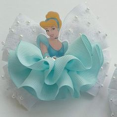 Best 12 kids hair clips with motif – SkillOfKing. Toddler Hair Clips, Baby Hair Clips, Baby Headbands, Knit Headband, Princess Hair Bows, Girl Hair Bows, Cinderella Hair, Frozen Hair, Disney Hair Bows