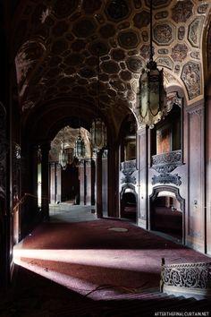 Loew's Kings Theatre Abandoned
