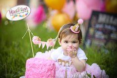 Sombrero de cumpleaños sombrero primero por littleblueolive en Etsy Flamingo Party, Flamingo Birthday, Birthday Balloons, Pink First Birthday, Girl Birthday, Half Birthday, February Birthday, Birthday Party Hats, Hat Party